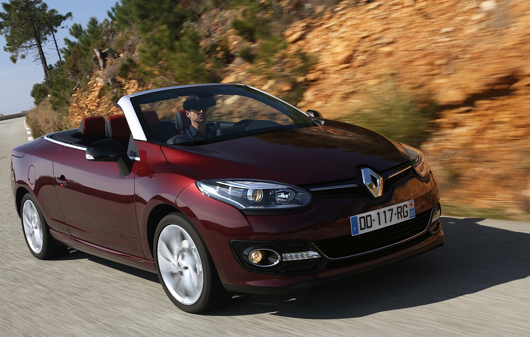 Renault Launched Megane Cc Facelift And 1 2 Turbo With 130