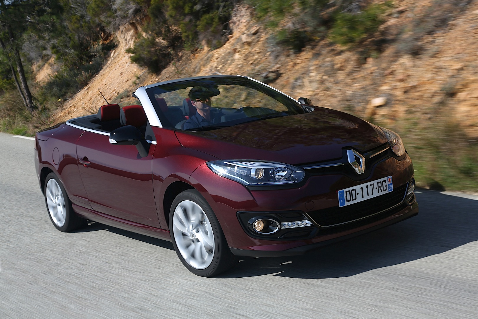 Renault launched megane cc facelift and 1 2 turbo with 130 hp autoevolution - Megane 3 coupe cabriolet ...