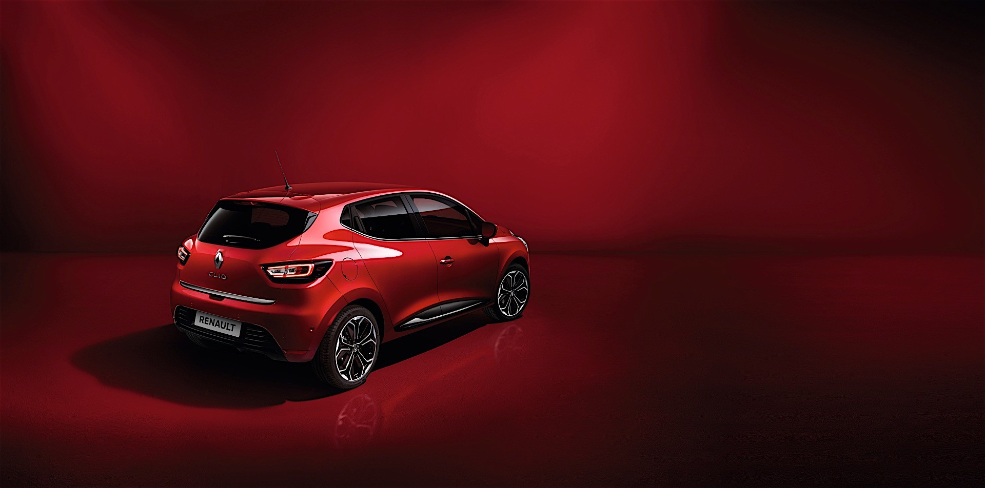 renault launches clio edition one inspired by mercedes autoevolution. Black Bedroom Furniture Sets. Home Design Ideas