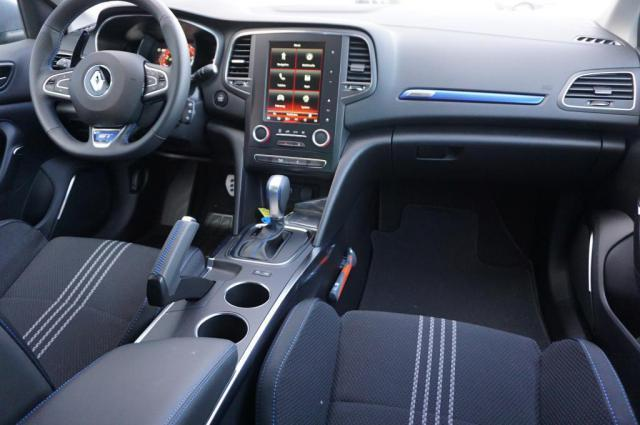 2021 - [Renault] Mégane E-Tech Electric [BCB] - Page 2 Renault-megane-gt-is-available-with-e-brake-button-or-regular-handbrake-why_3