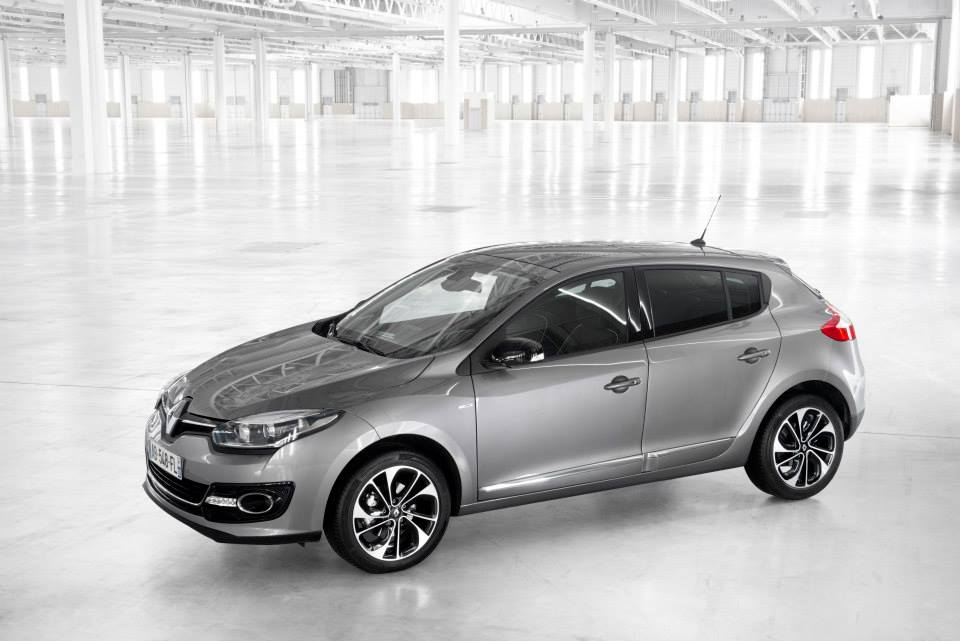 renault shares photos of new megane 1 2 tce with 130 hp and edc gearbox autoevolution. Black Bedroom Furniture Sets. Home Design Ideas