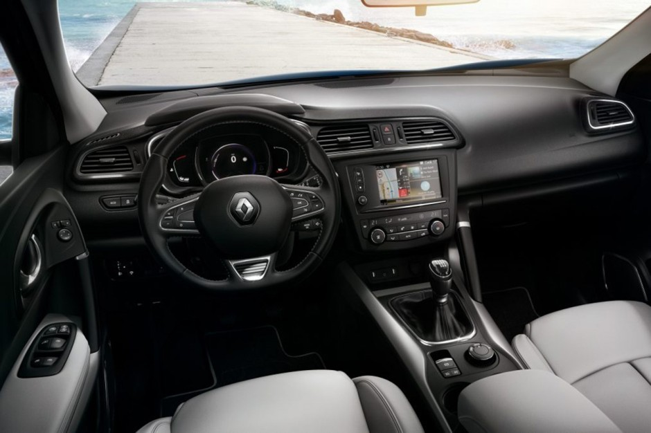 Renault spruces up twingo and kadjar with france exclusive for Interieur renault kadjar