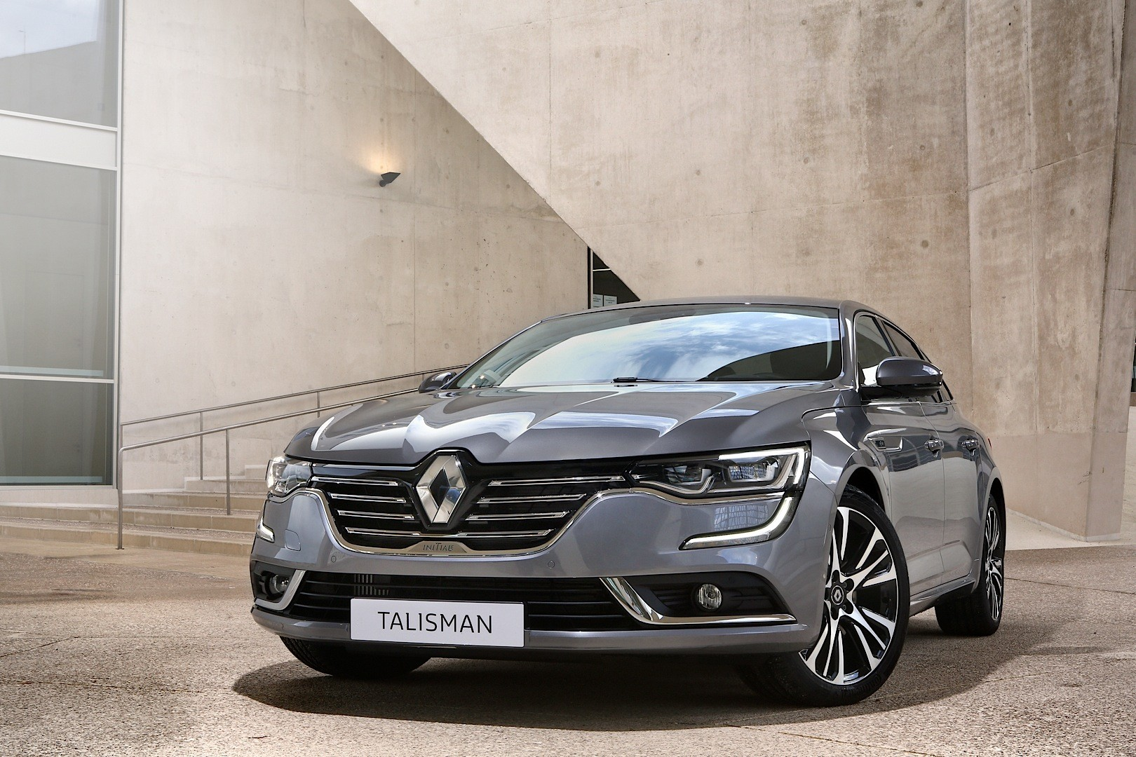 renault talisman pricing leaked latest photos show initiale paris trim autoevolution. Black Bedroom Furniture Sets. Home Design Ideas