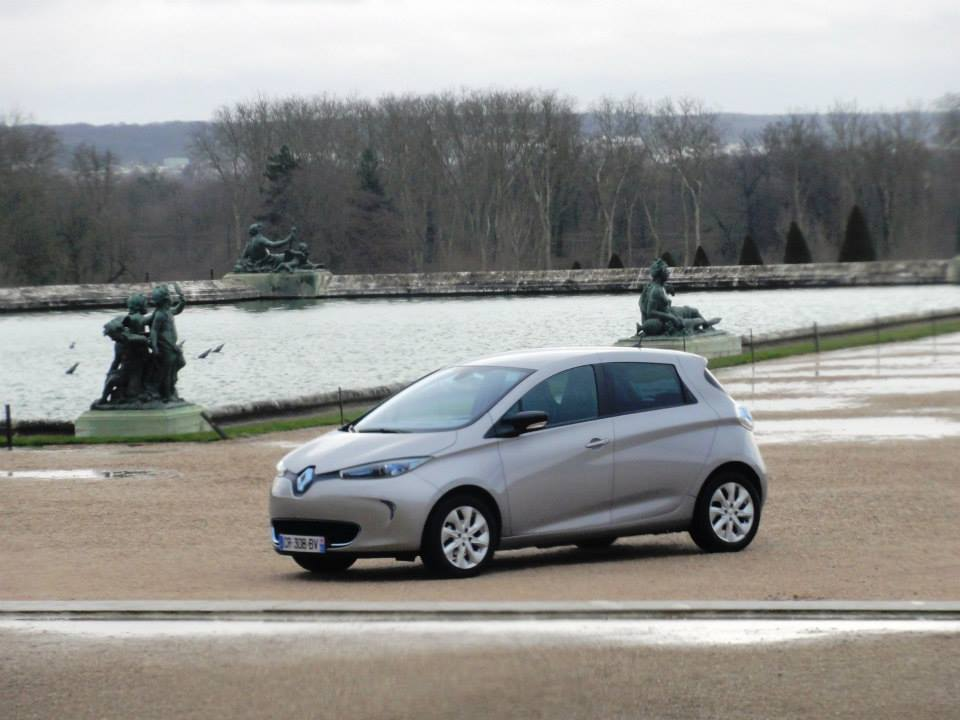 renault throws zoe its first birthday party at the versailles. Black Bedroom Furniture Sets. Home Design Ideas