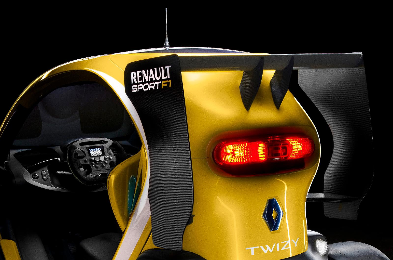 renault twizy sport f1 in all its glory autoevolution. Black Bedroom Furniture Sets. Home Design Ideas
