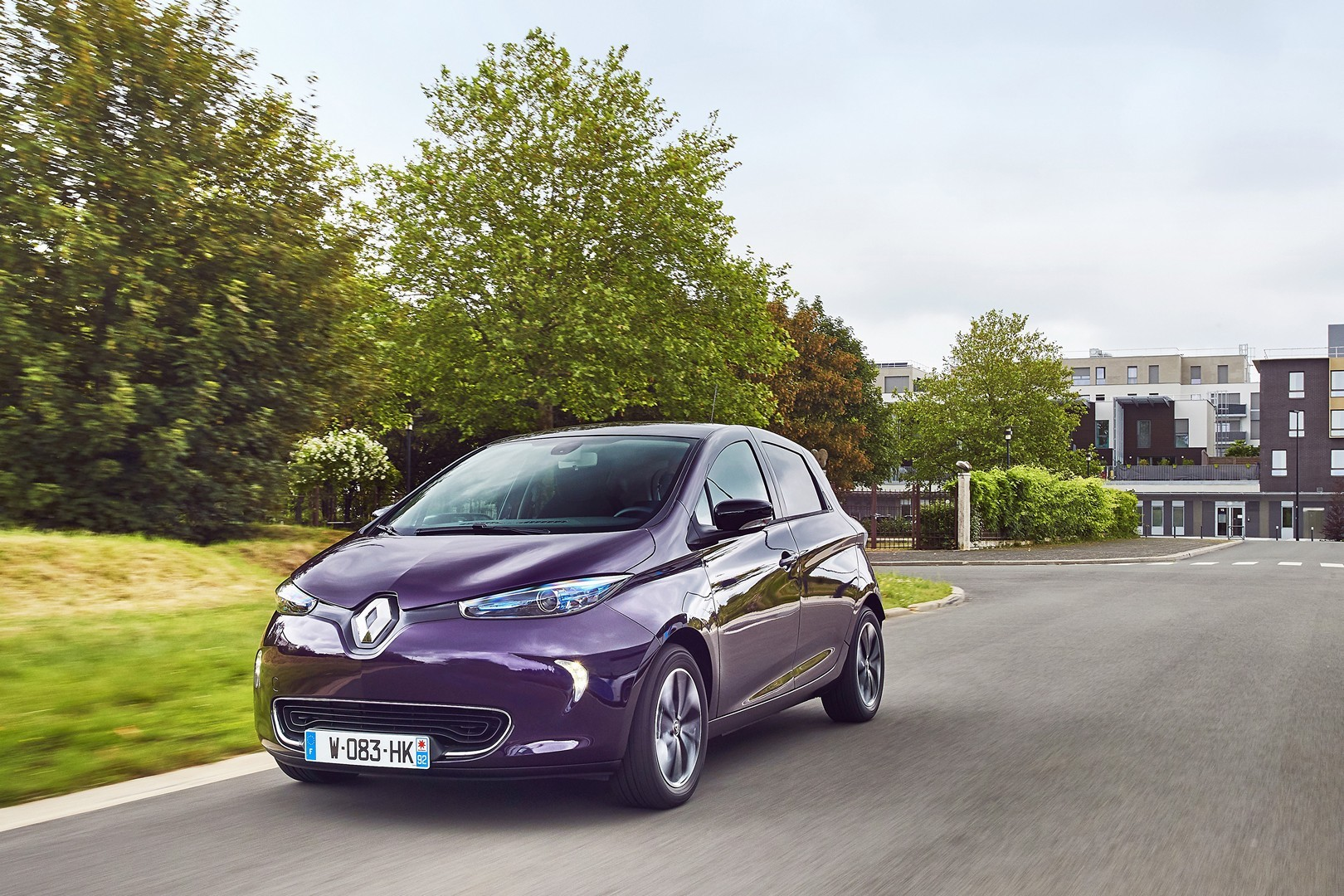 Renault Zoe Tops List Of Uk Second Hand Electric Cars Rising In Value