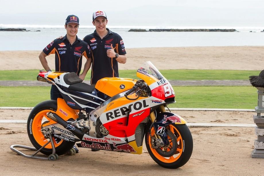 Repsol Honda Shows 2015 MotoGP Bike, but Some Says It's the 2014 Model - autoevolution