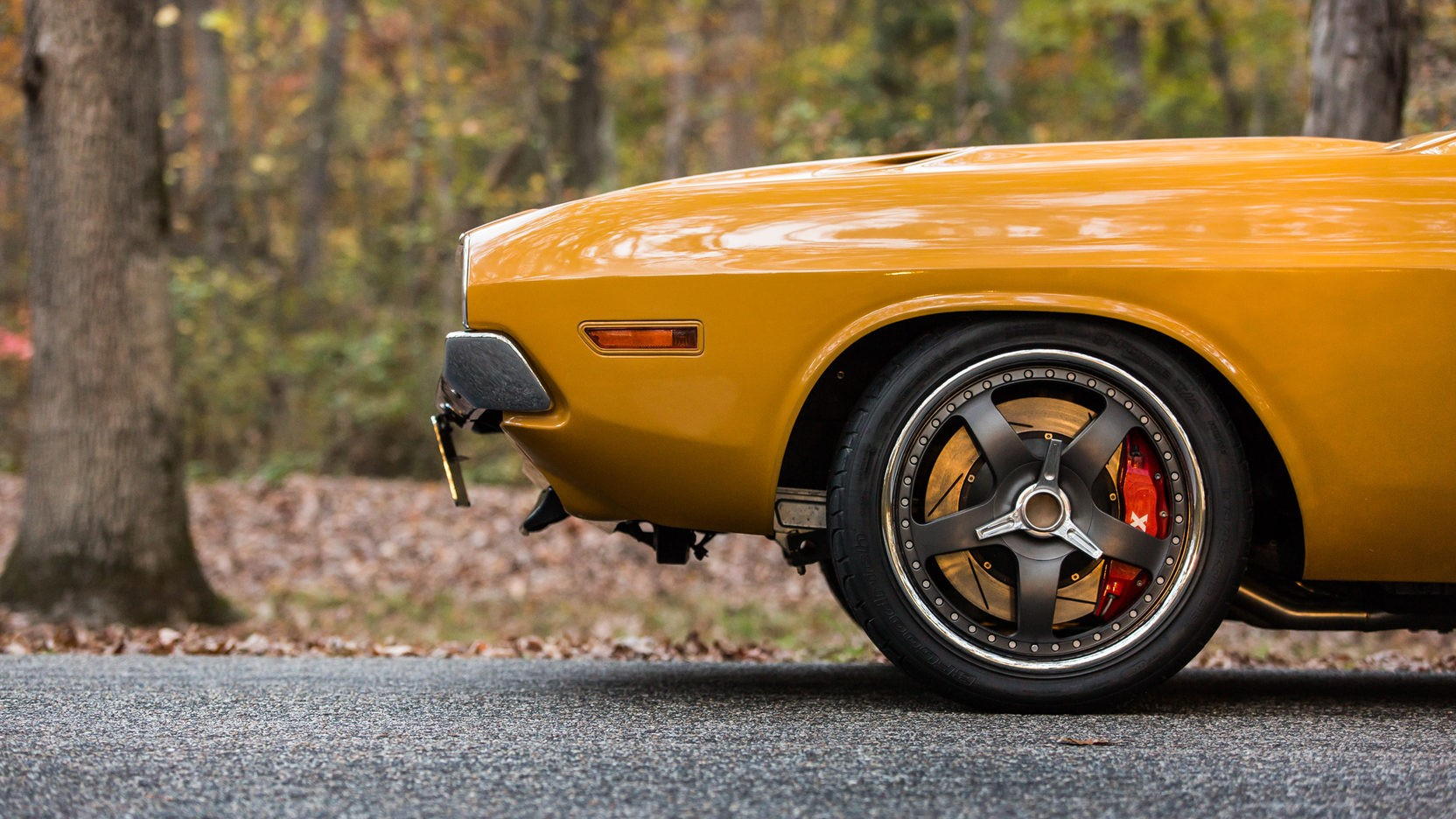 Dodge Challenger Restomod Packs 572 Cubic Inches of HEMI V8