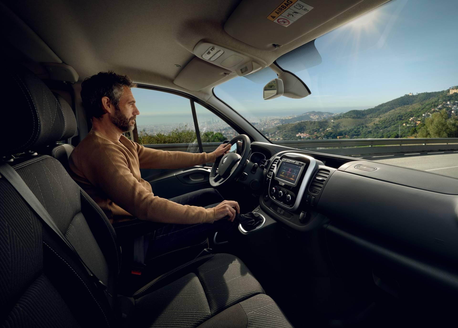 Weird: Renault Trafic Knight Rider Remake - autoevolution
