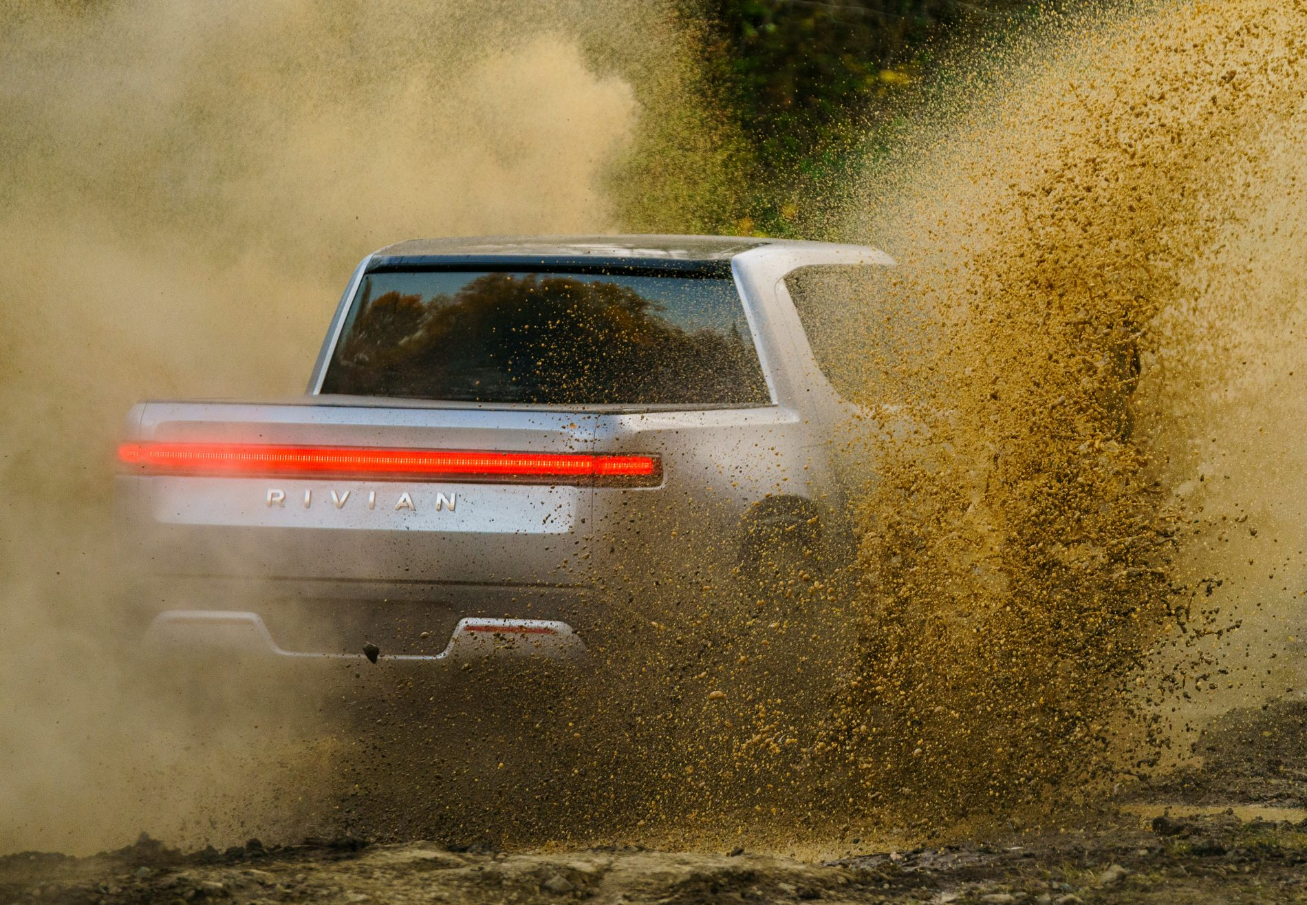 Car Shows In Illinois >> Rivian R1T Electric Pickup Truck Unveiled as the Monster Ford and Chevy Fear - autoevolution