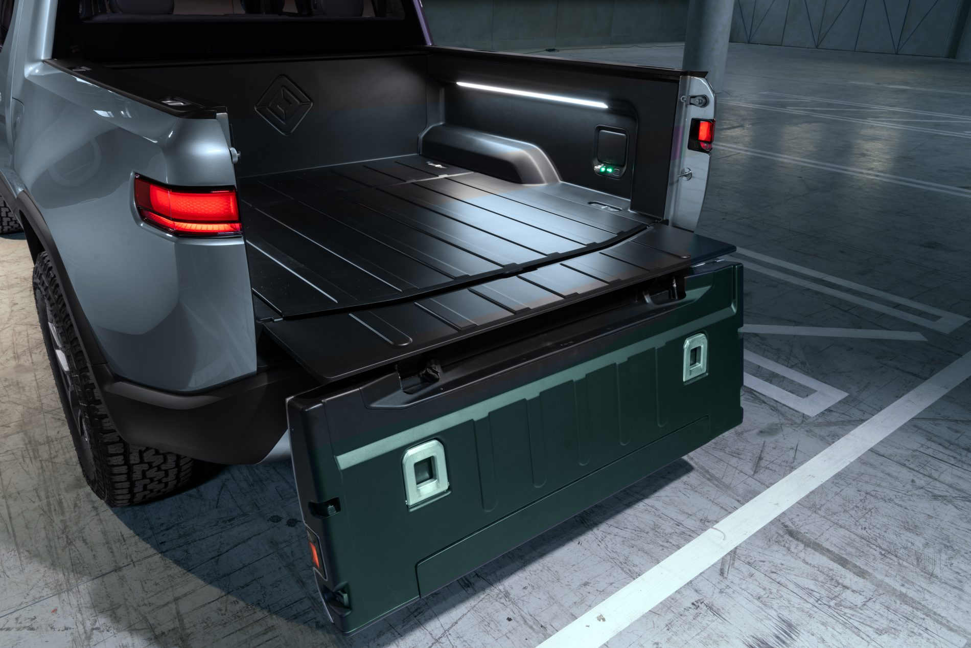 Rivian R1T Electric Pickup Truck Unveiled as the Monster ...