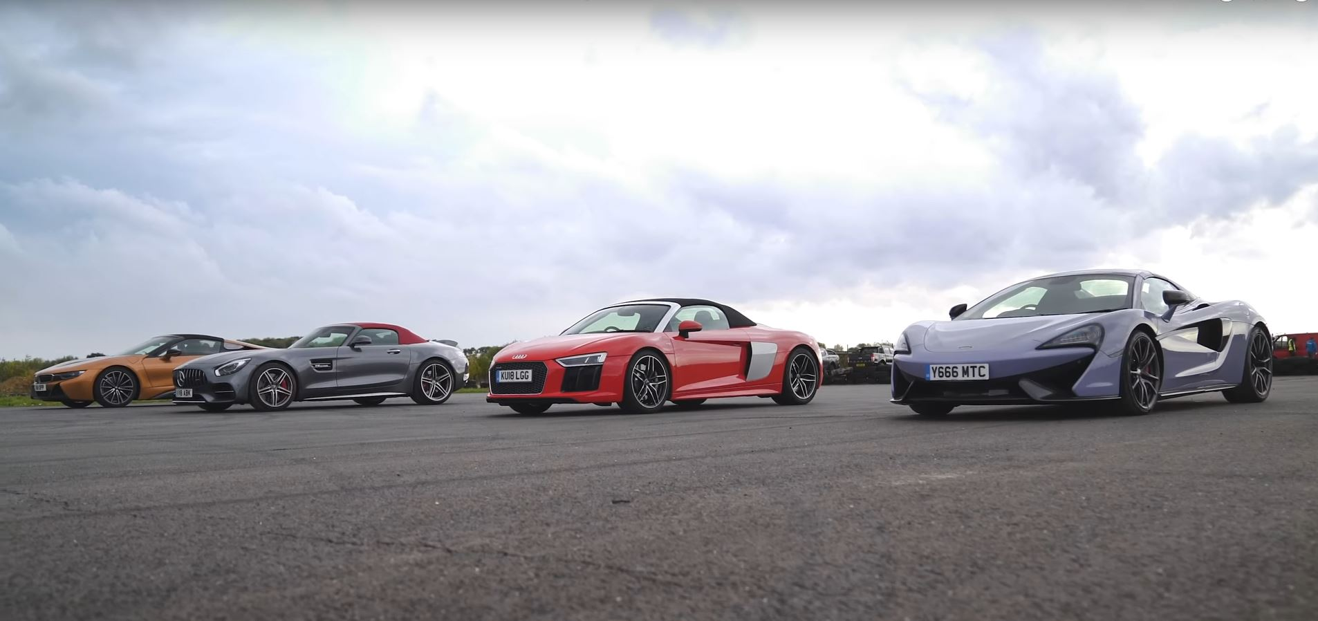 Roadster Race Features Amg Gt C Audi R8 Bmw I8 And Mclaren 570s