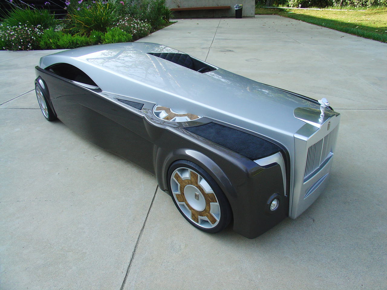 Rolls royce apparition concept is eye catching autoevolution for Rolls royce auto