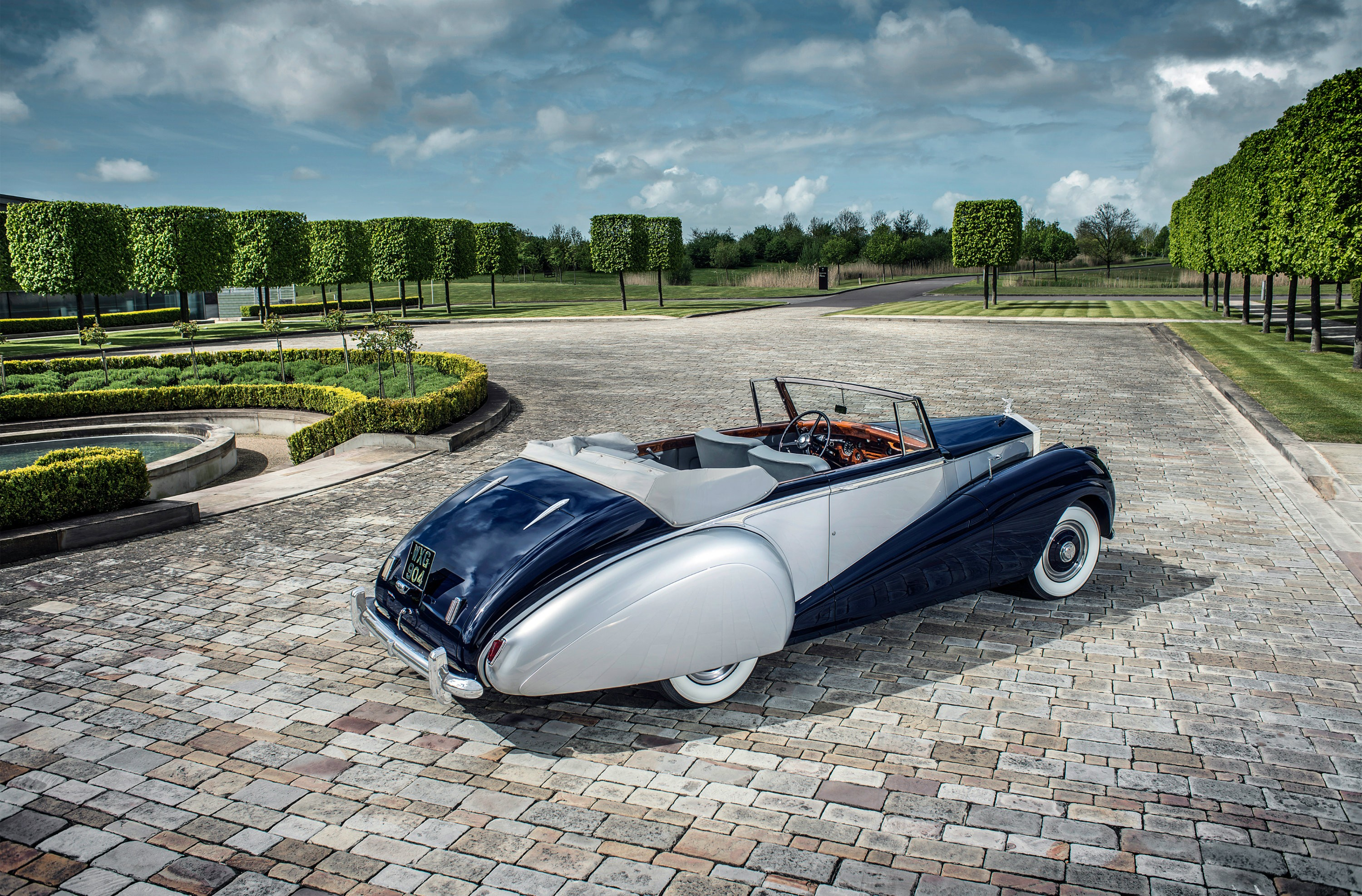 new car launches in early 2015RollsRoyce Dawn to Launch in Early 2016 Will Excite Both Men