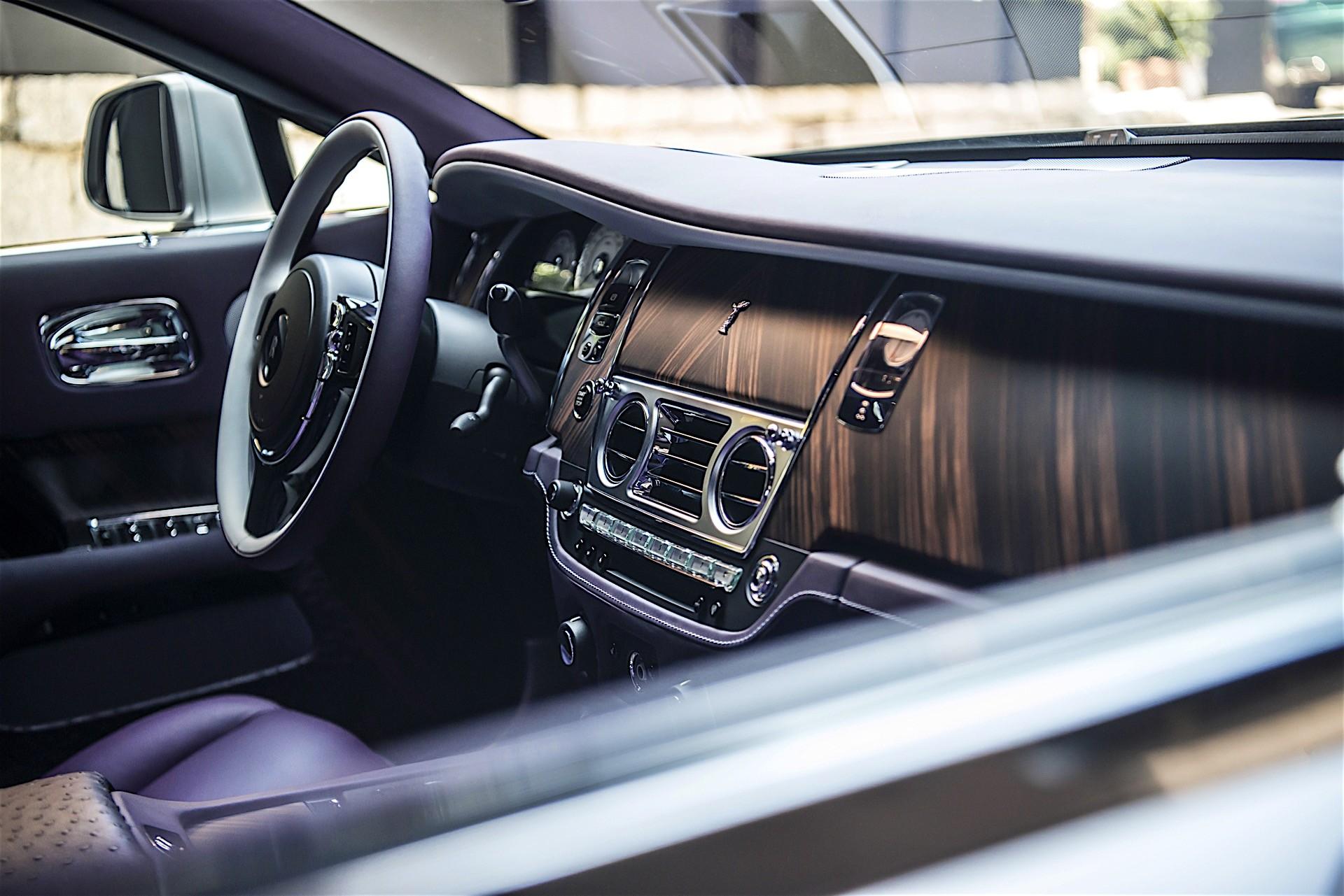 Rolls Royce Unveils Emerald Embellished Dawn And Wraith