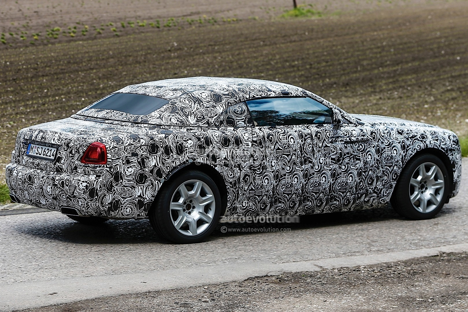Cadillac Ats Coupe >> Rolls-Royce Spied Testing Wraith Drophead Coupe - autoevolution