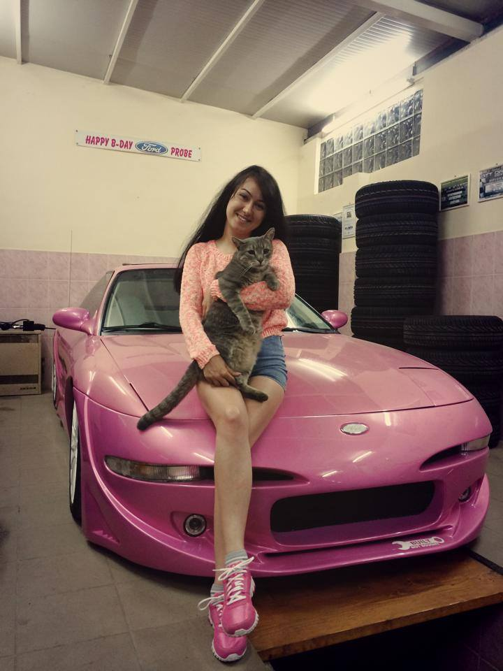 Romanian Drift Girl Takes Pink Ford Probe For A Spin