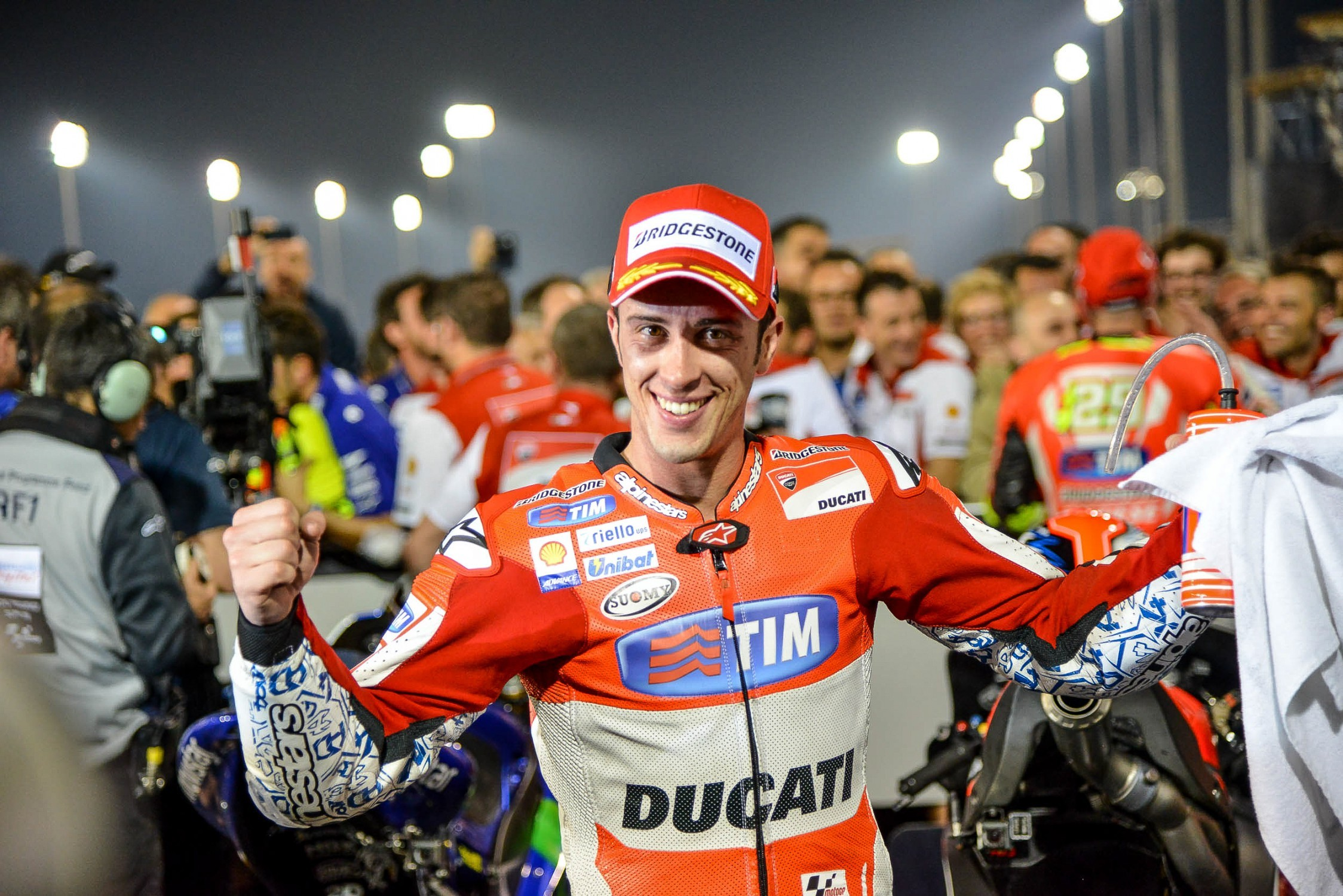 rossi wins 2015 debut race in qatar, ducati blows competition away
