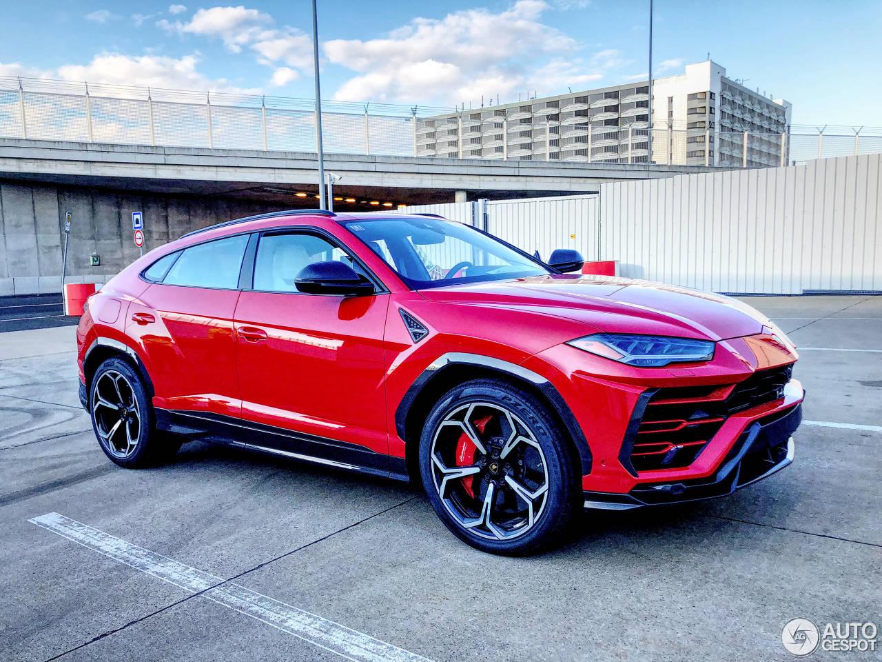 Rosso Mars Lamborghini Urus Looks like a Plus-Sized ...