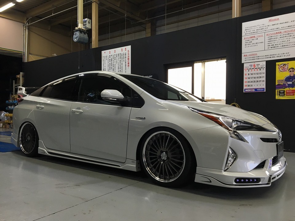 Rowen 2016 Prius Packs Quad Exhaust, a Big Wing and Lots ...