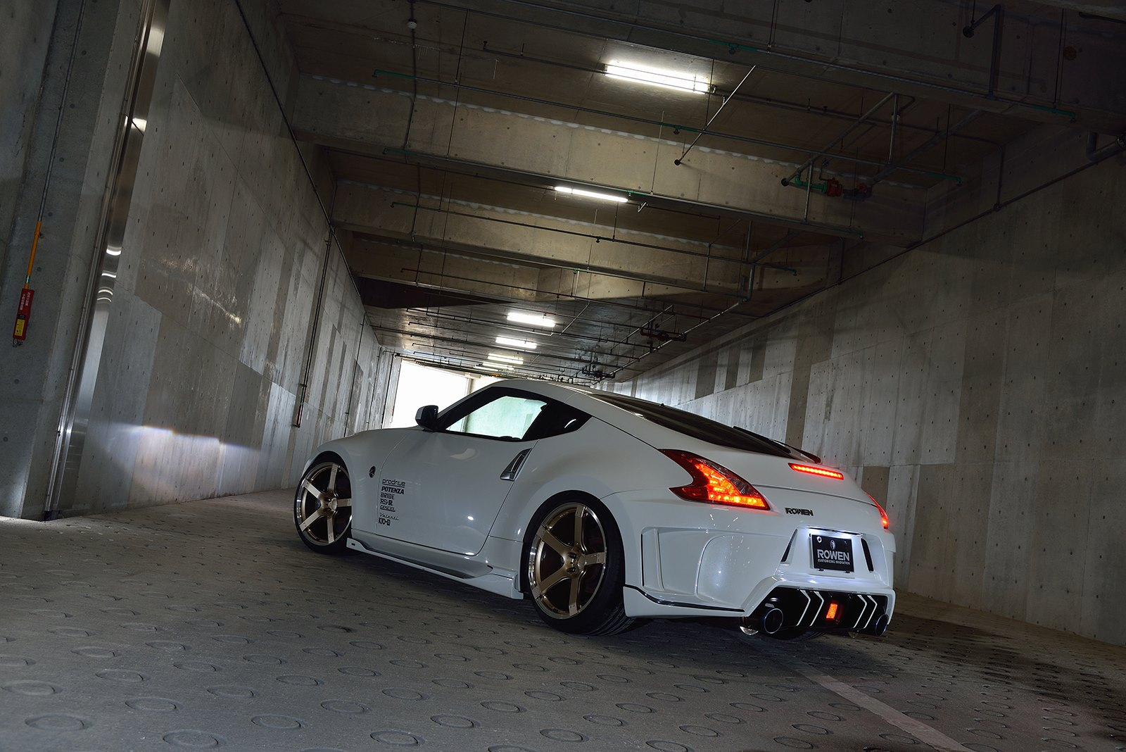 2015 Nissan Maxima >> Rowen Body Kit for Nissan 370Z Is Filled with JDM Goodness ...
