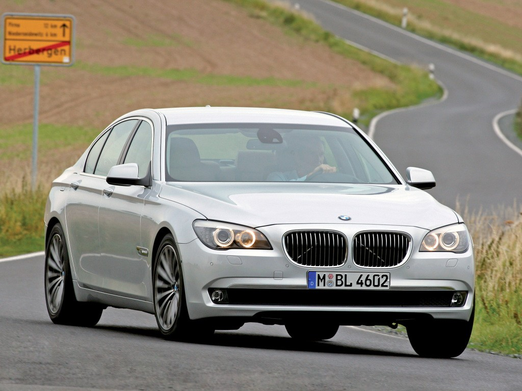 rolls royce and bmw recall ghost 5 gt 7 series over airbag sensor autoevolution. Black Bedroom Furniture Sets. Home Design Ideas