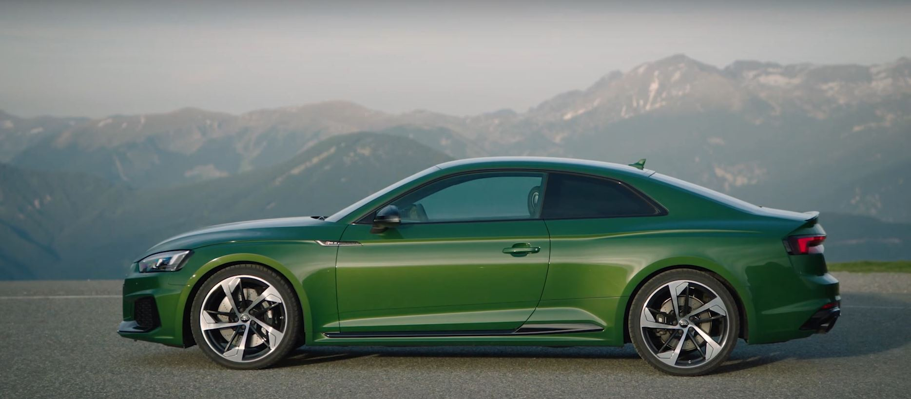 Rs5 In Misano Red And Sonoma Green Get Extra Footage As