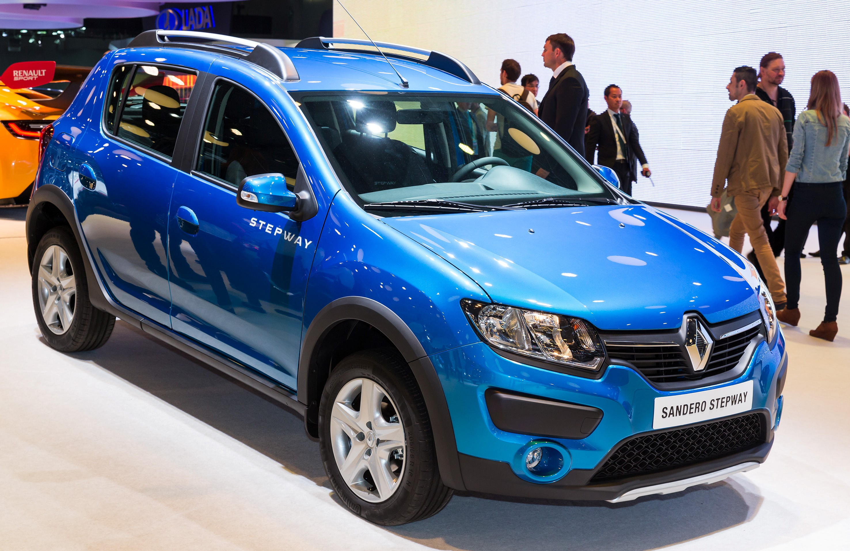 russian spec 2014 renault sandero stepway looks funky. Black Bedroom Furniture Sets. Home Design Ideas