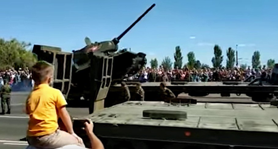 Russian T-34 Tank Flips During Kursk Military Parade ...