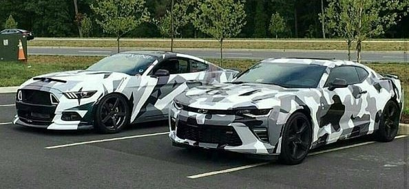 Mustang Vs Camaro >> S550 Ford Mustang, Sixth-Gen Chevrolet Camaro Become Urban Camouflage Wrap Twins - autoevolution