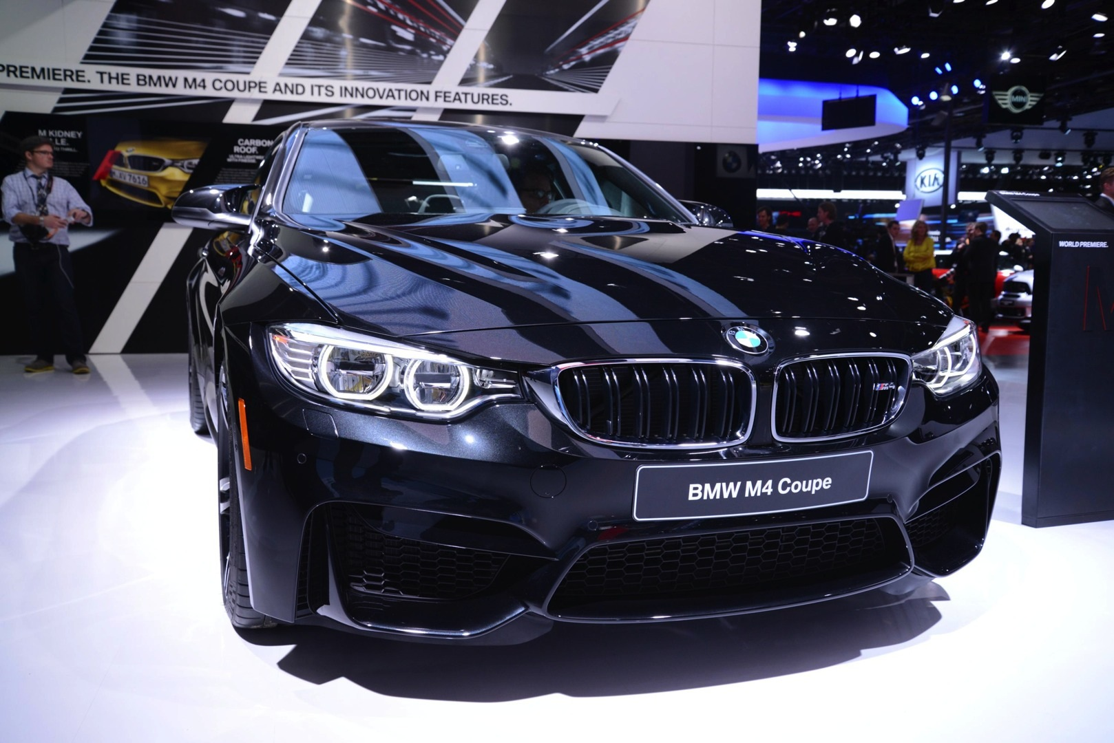 Sapphire Black Bmw M4 Looks Brilliant At 2014 Naias Live