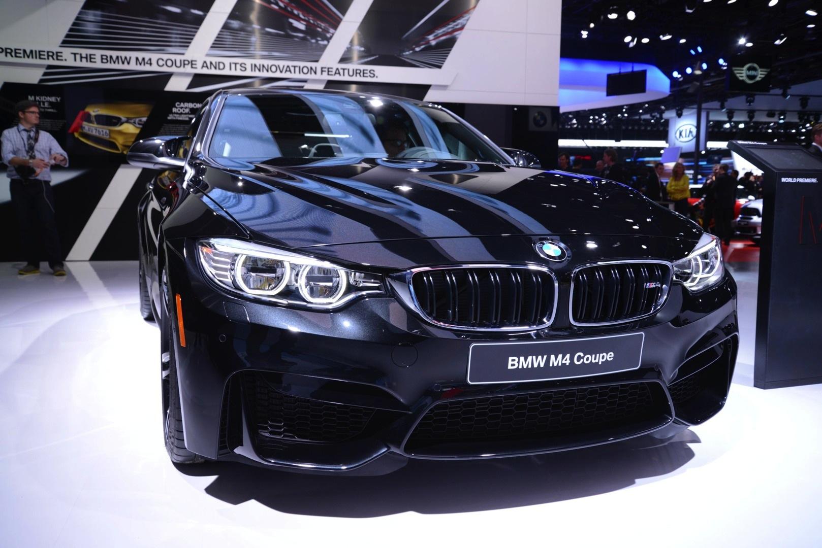 Bmw M4 Interior >> Sapphire Black BMW M4 Looks Brilliant at 2014 NAIAS [Live Photos] - autoevolution
