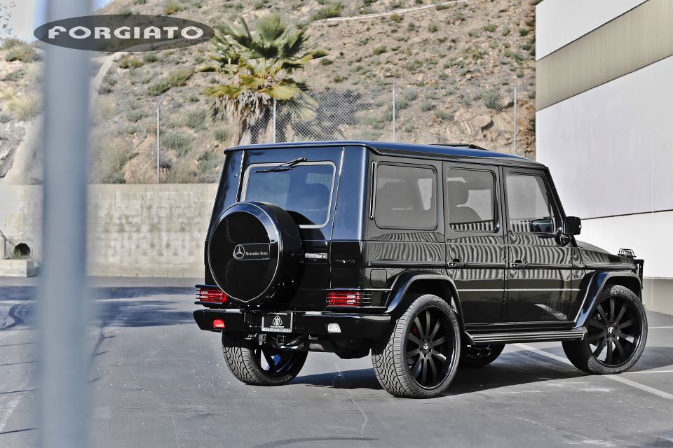 Scott disick puts forgiato 24 inch rims on mercedes g for 24 inch mercedes benz rims