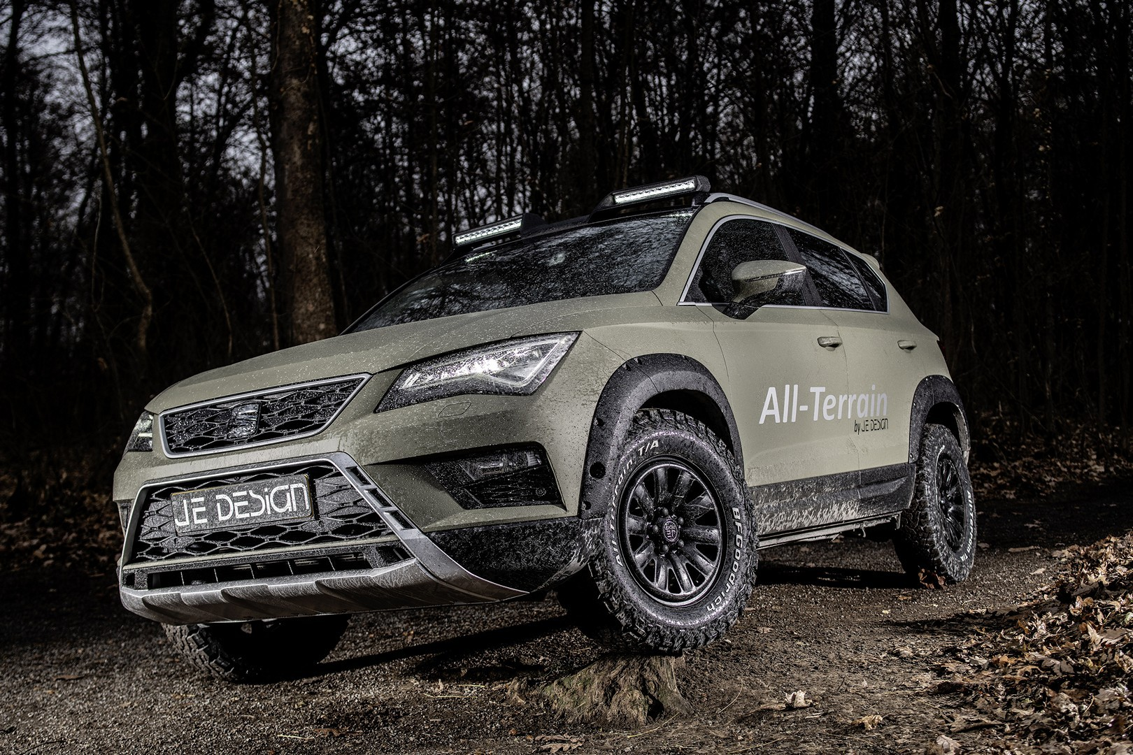 seat ateca turns into rugged off roader with bolt on body. Black Bedroom Furniture Sets. Home Design Ideas