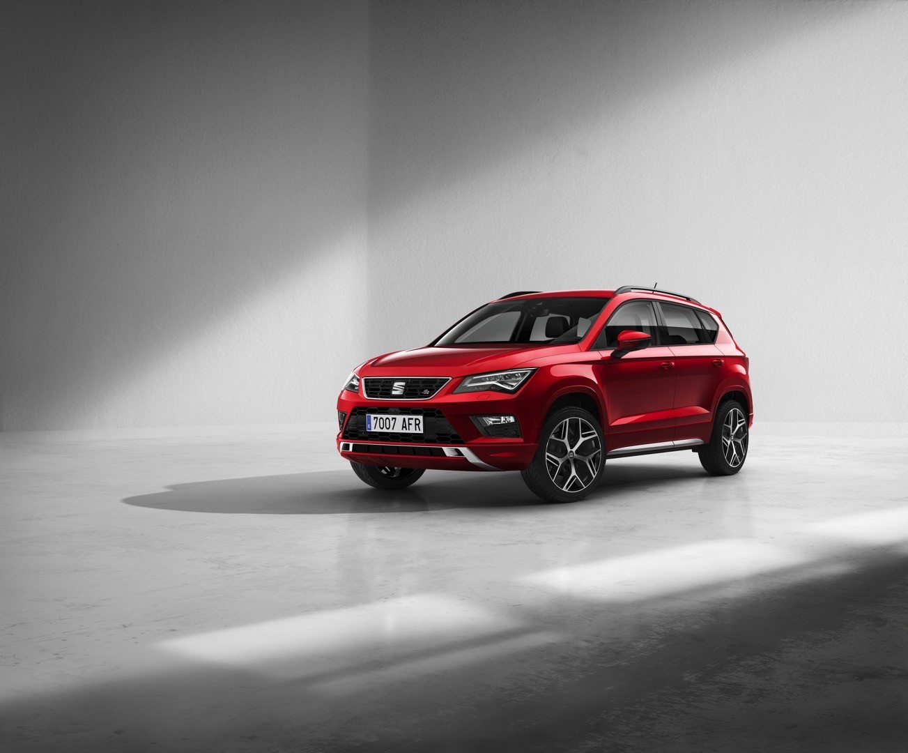 seat expands ateca lineup with fr model autoevolution. Black Bedroom Furniture Sets. Home Design Ideas
