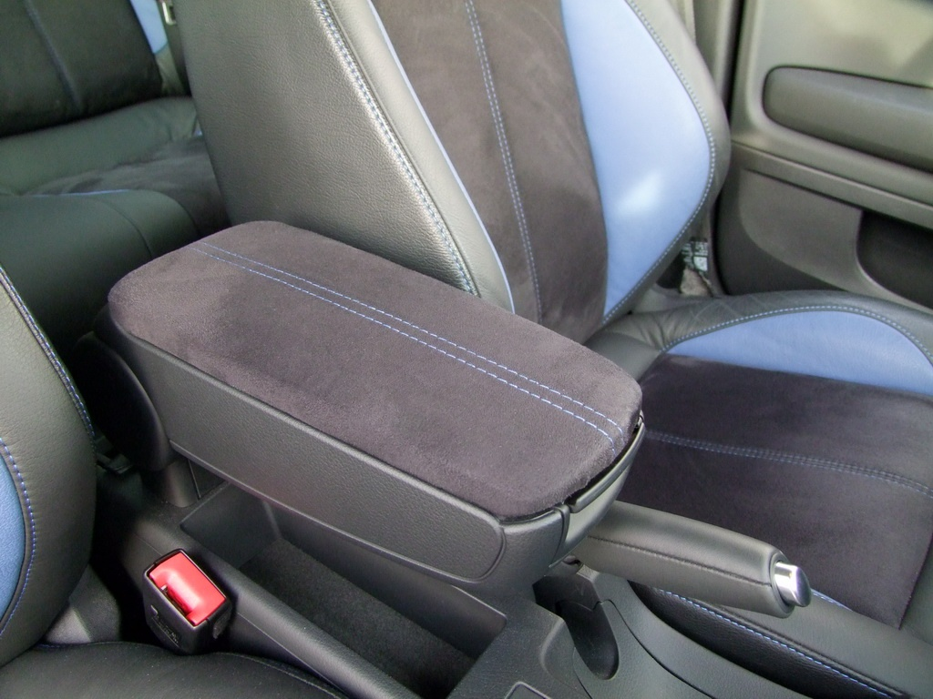 seat exeo st targeted by je design autoevolution. Black Bedroom Furniture Sets. Home Design Ideas
