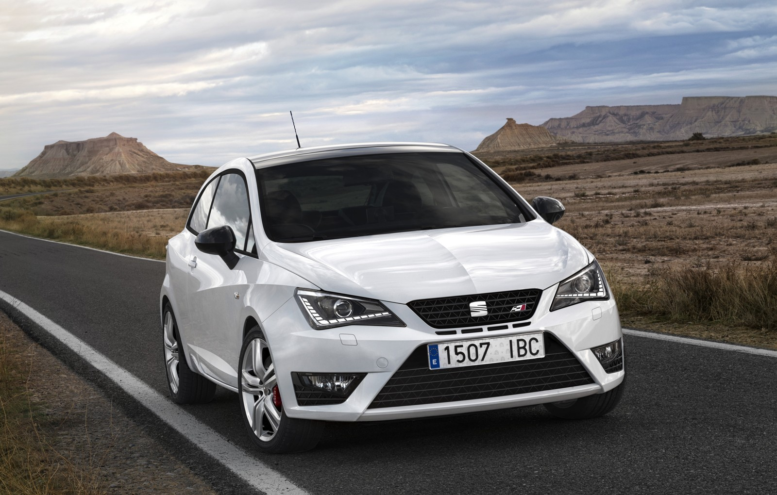 seat ibiza cupra is now cheaper than ever obsolete tech autoevolution. Black Bedroom Furniture Sets. Home Design Ideas