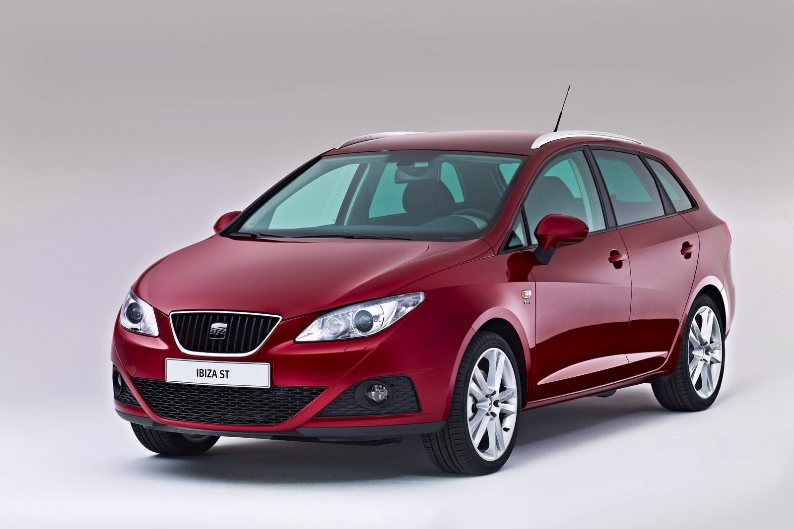 seat ibiza st released autoevolution. Black Bedroom Furniture Sets. Home Design Ideas