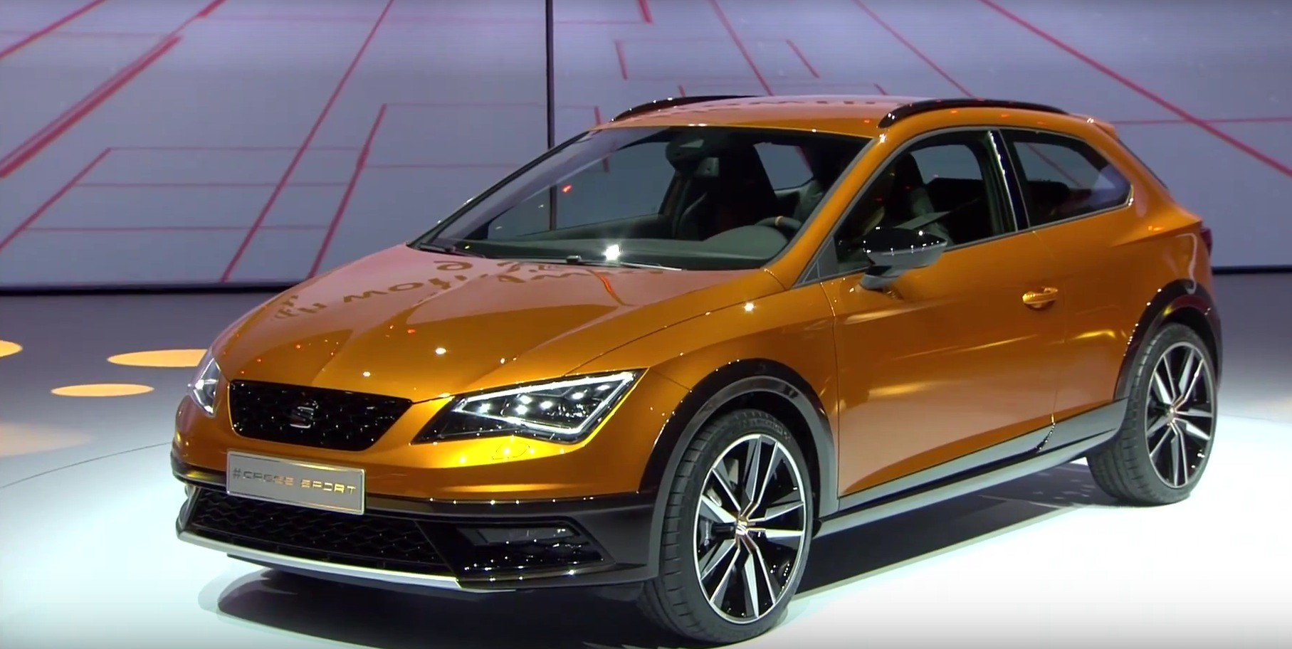seat leon cross sport is a taller golf r at frankfurt motor show 2015 video live photos. Black Bedroom Furniture Sets. Home Design Ideas