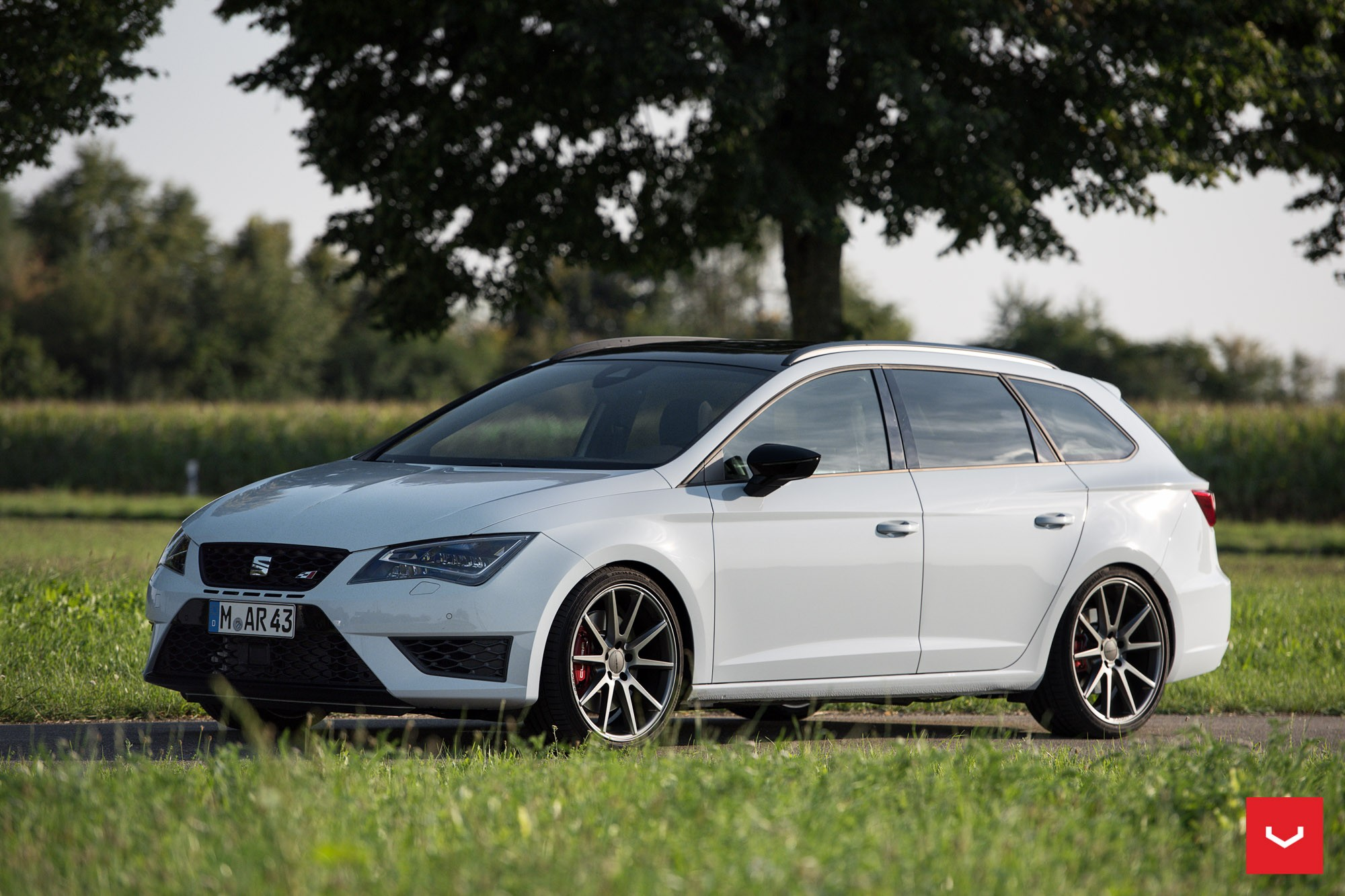 seat leon cupra st on vossen wheels is light tuning for. Black Bedroom Furniture Sets. Home Design Ideas