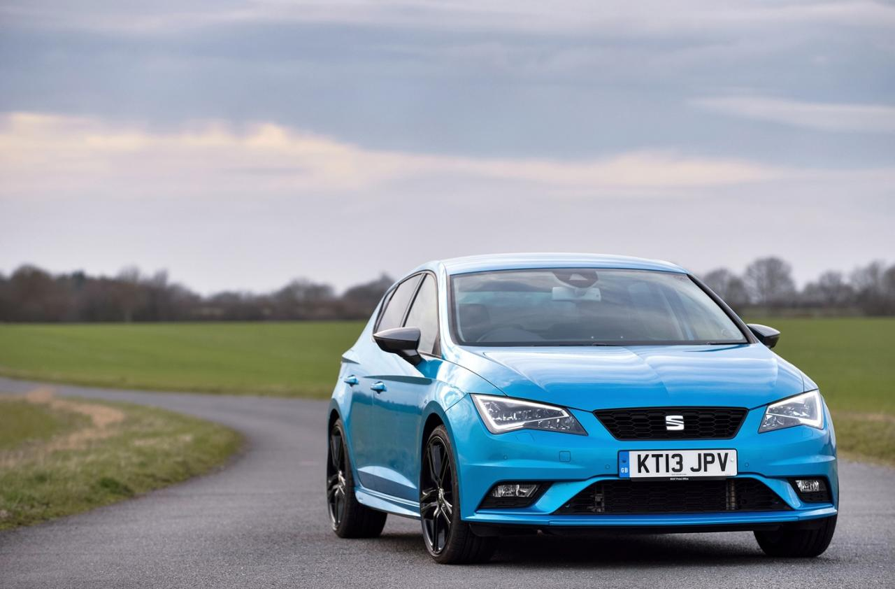 seat leon sports styling kit brings cupra look to vanilla models autoevolution. Black Bedroom Furniture Sets. Home Design Ideas