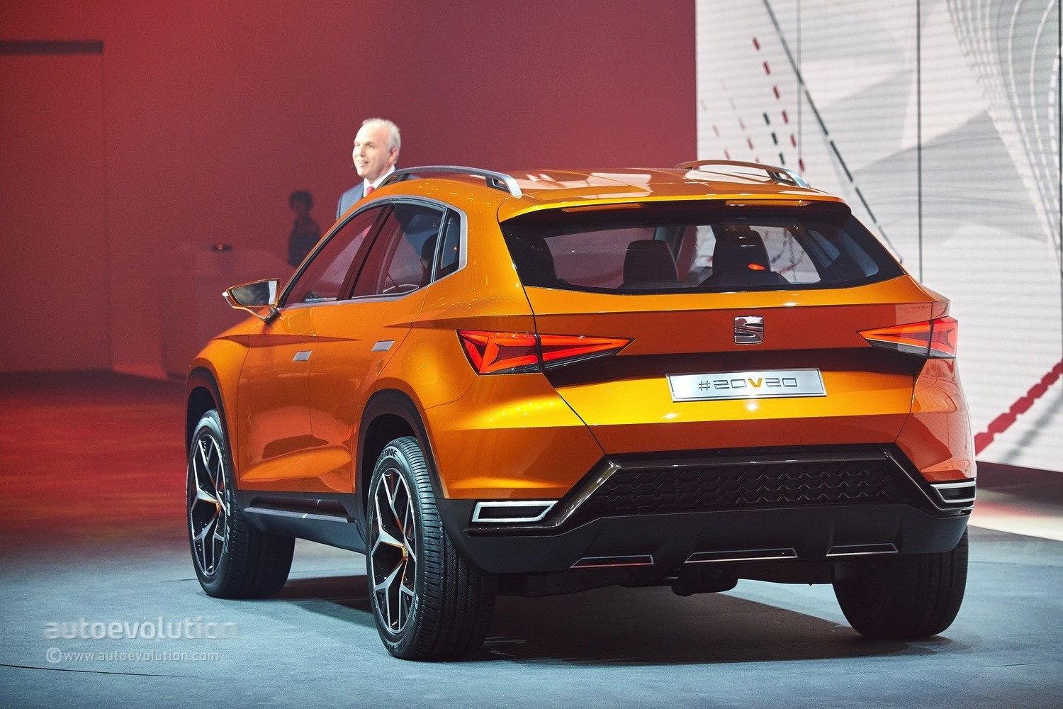seat reveals 20v20 concept that previews a 2016 production suv video live photos autoevolution. Black Bedroom Furniture Sets. Home Design Ideas