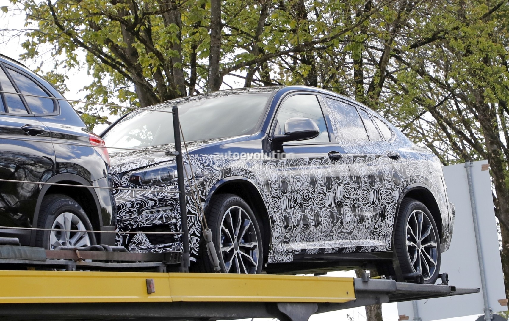 second generation g02 bmw x4 makes spyshot debut will get. Black Bedroom Furniture Sets. Home Design Ideas