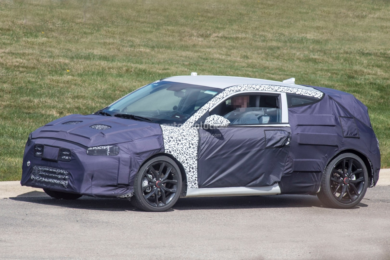 ... 2019 Hyundai Veloster spied ... & Second-Generation Hyundai Veloster Prototype Hides Cleaner Look Odd ...