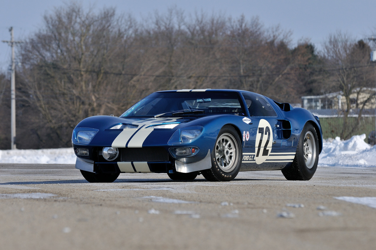 second oldest ford gt40 auctioned for 7 million video autoevolution. Black Bedroom Furniture Sets. Home Design Ideas