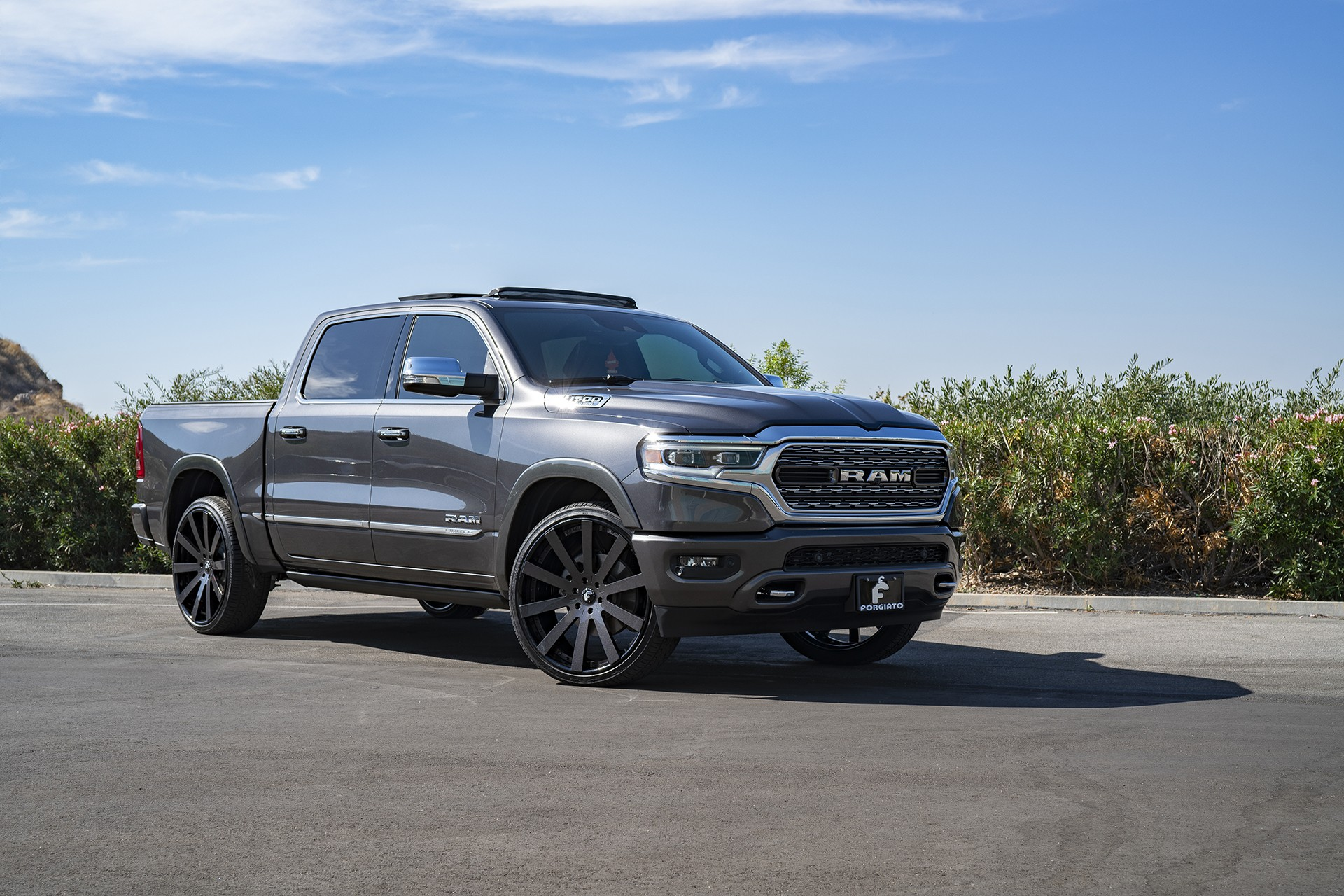 Ford Vs Chevy Trucks >> Shaquille O'Neal Tunes His 2019 Ram 1500 With Forgiato ...
