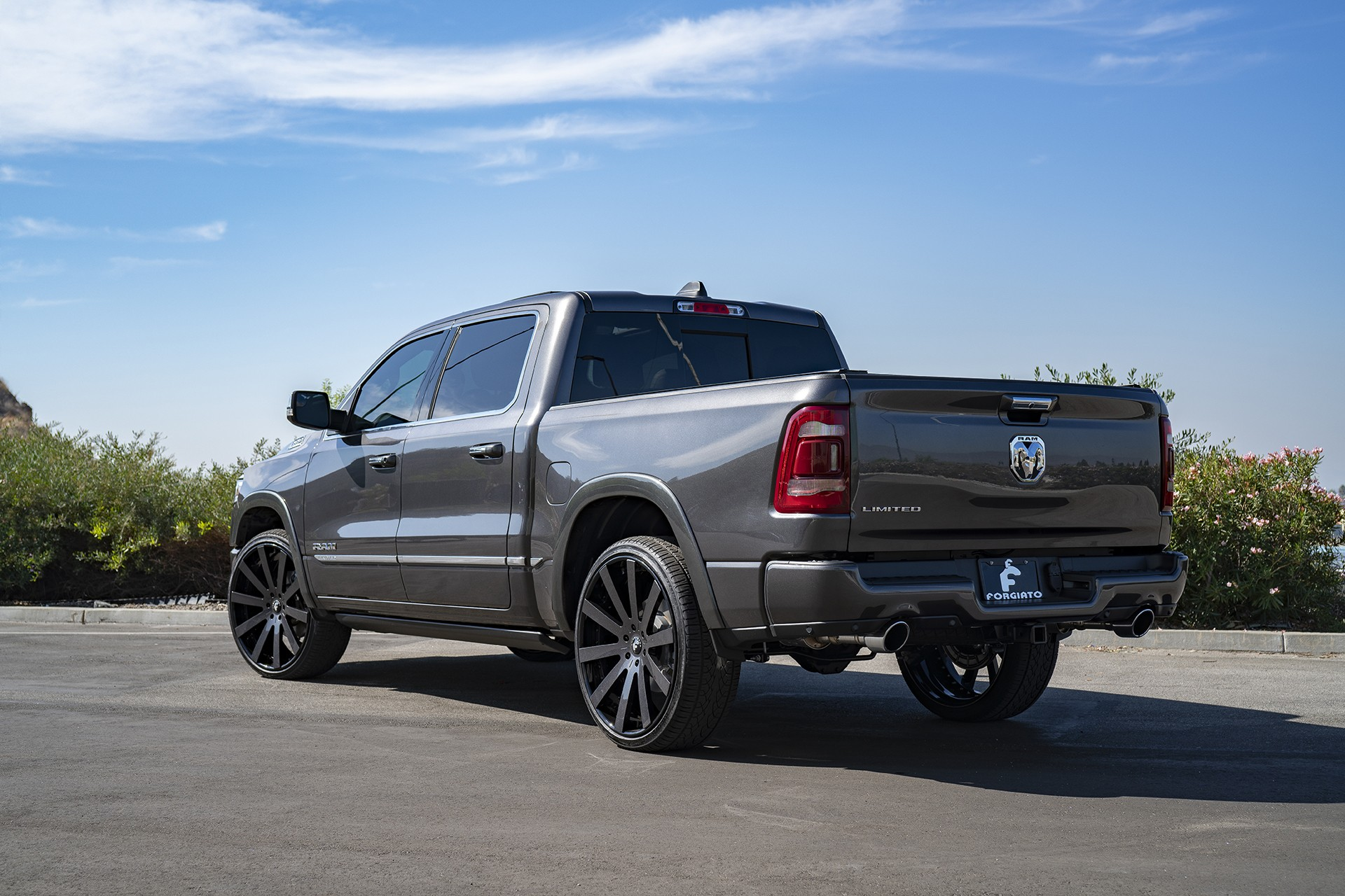 Shaquille O'Neal Tunes His 2019 Ram 1500 With Forgiato Wheels - autoevolution