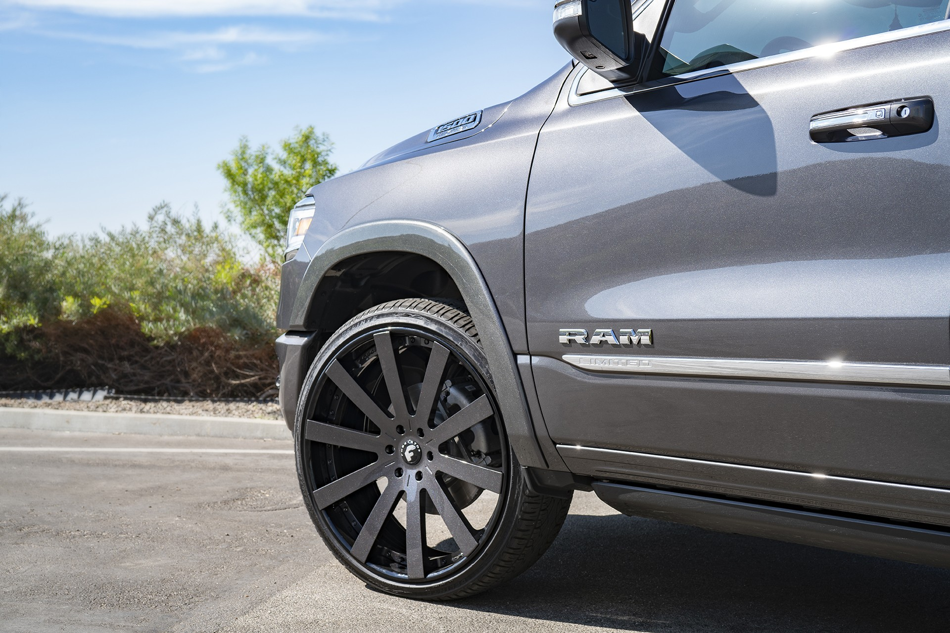 Shaquille O'Neal Tunes His 2019 Ram 1500 With Forgiato ...