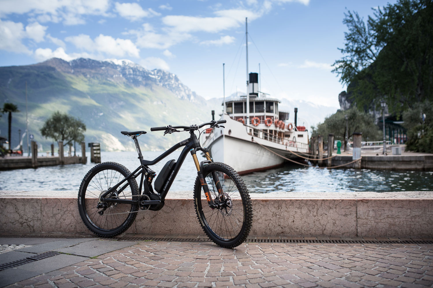 Shimano Shows E8000 Electric Assist Motor for Mountain Bikes