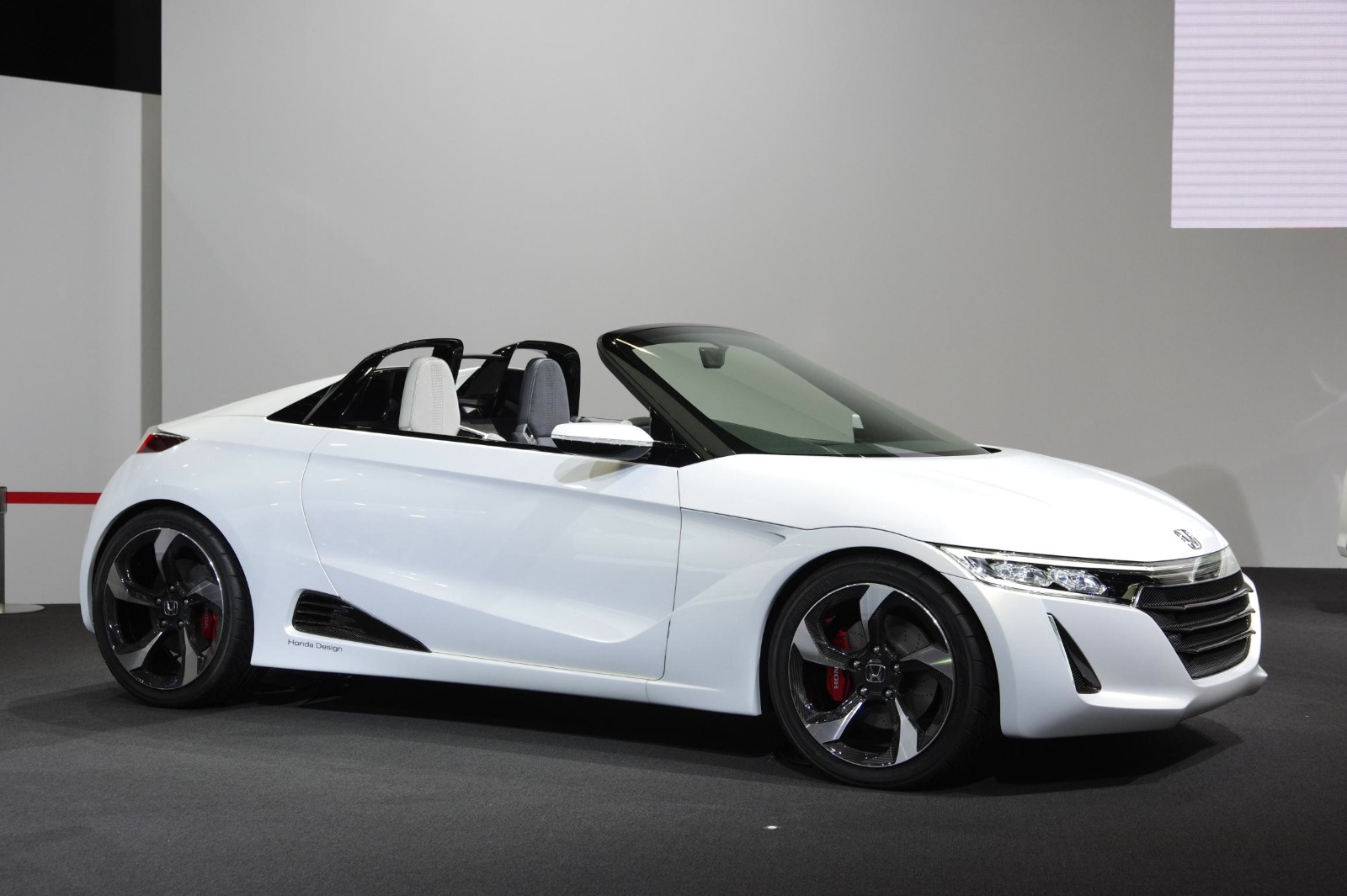 Shrunken Nsx Honda S660 Kei Sportscar Coming In 2015 Autoevolution